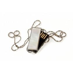 USB 4 GB GLAMOUR PEARL NICKLESS GOODRAM